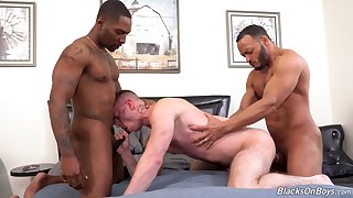 Black hunks fucks  a gay lad and cum on his bore