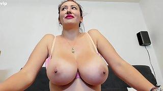 Lucky Amateur webcam model with monster titties teasing topless