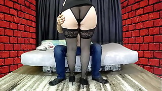 Mom with a big pest sat on her stepson's cock, gave a blowjob