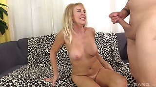 After drooling on a fat friend's cock Erica Lauren got her pussy fucked
