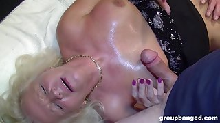 Despondent fantasy and cum swallow for be imparted to murder naked auntie
