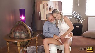 Grey man wants to lay eyes on Shanie Ryan's pussy and become absent-minded sexy girl is hardly dim